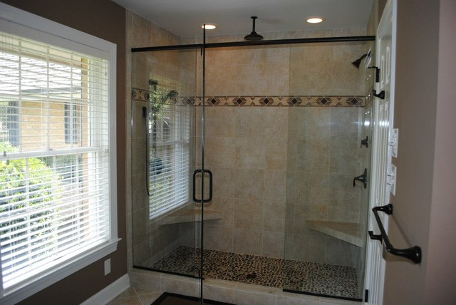 Porcelain Tile Floors And Walls Decorative Border With Accent Tiles Traditional Bathroom