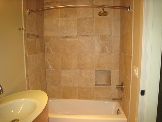 Porcelain tile shower for Ceramic tile bathroom ideas pictures