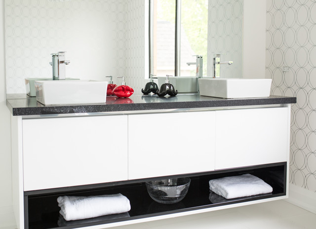 Port Credit Modern Bathroom Toronto By Catherine