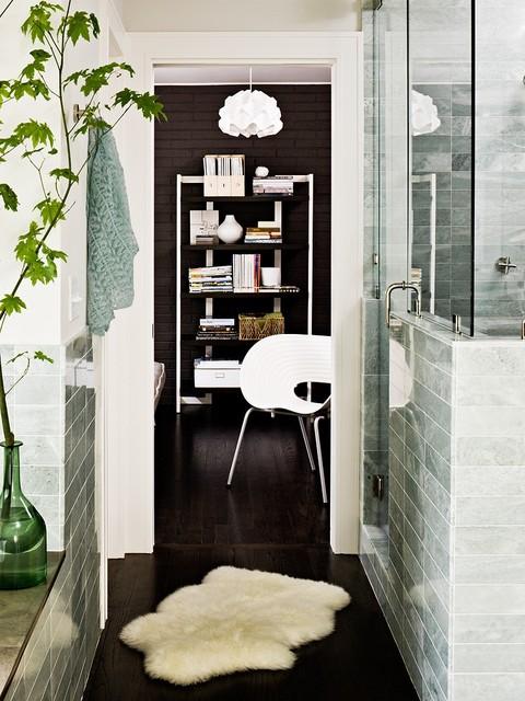 Portland Modern Mix midcentury-bathroom