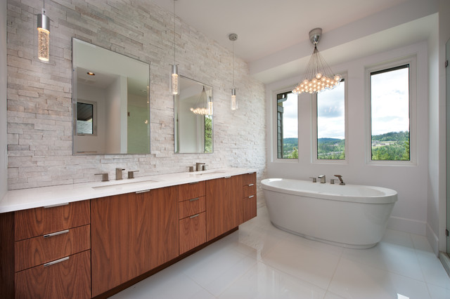 Predator ridge monte show home contemporary bathroom for Show home bathrooms