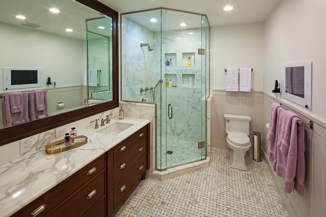 President S Residence Northwestern University Traditional Bathroom Chicago By Thea