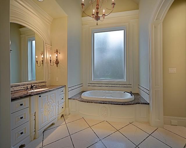 Bathroom - traditional master bathroom idea in Houston