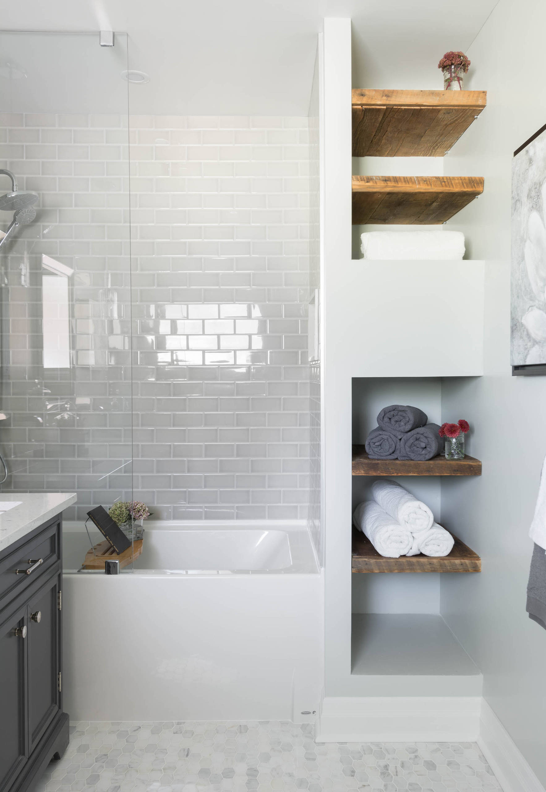 75 Beautiful Tub Shower Combo Pictures Ideas April 2021 Houzz