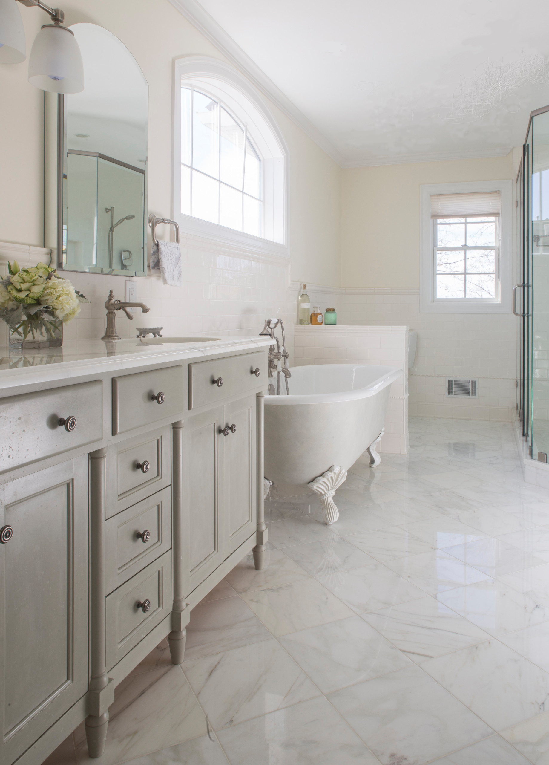 75 Beautiful French Country Bathroom Pictures Ideas February 2021 Houzz