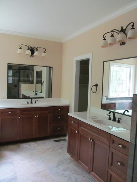 Prosser Custom Home traditional-bathroom