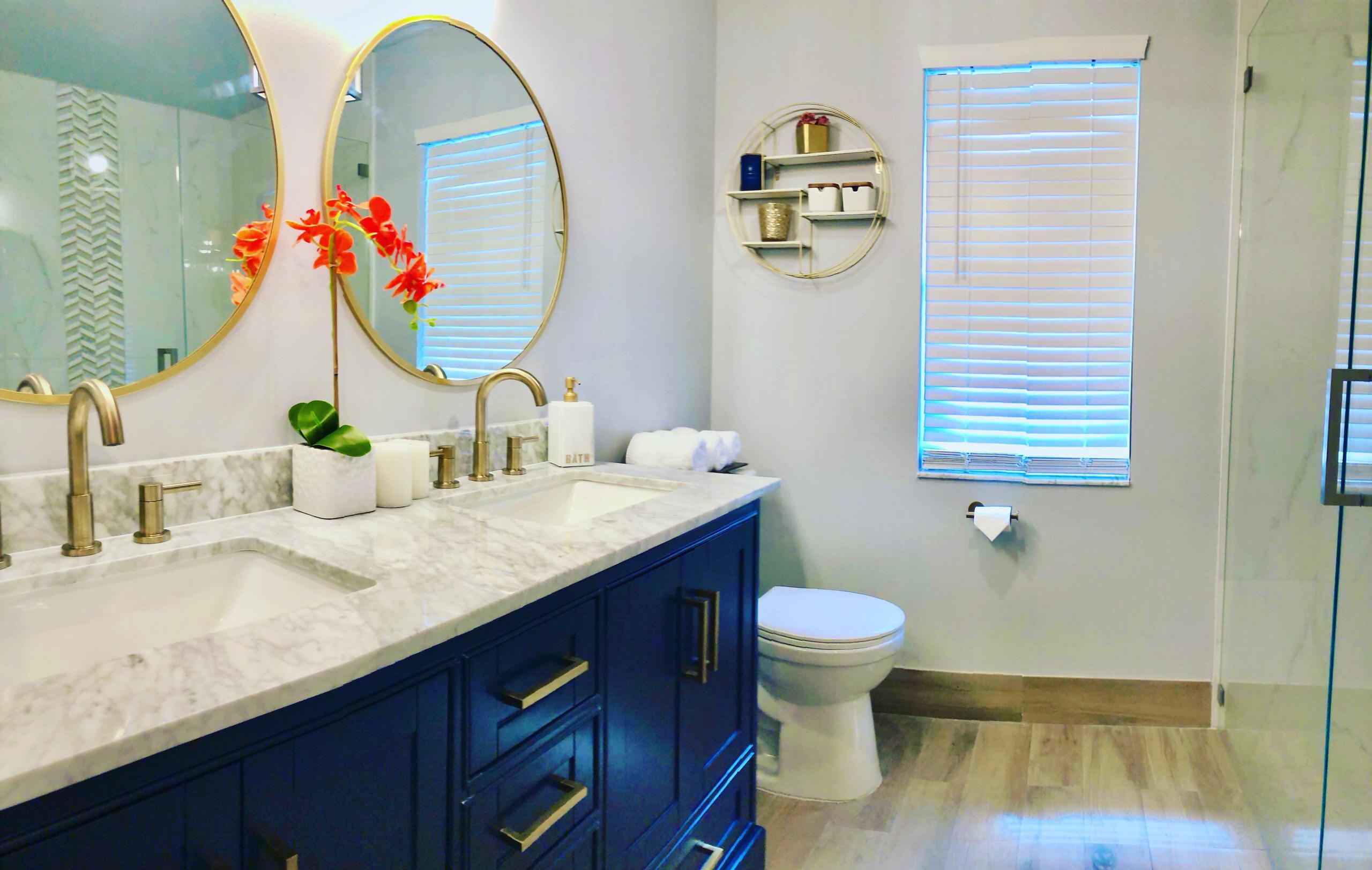 Quaint master bathroom
