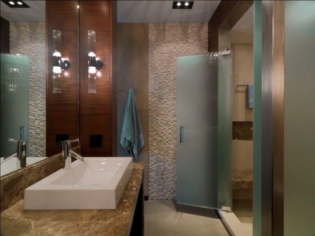 Quaker Bluff Residence contemporary bathroom