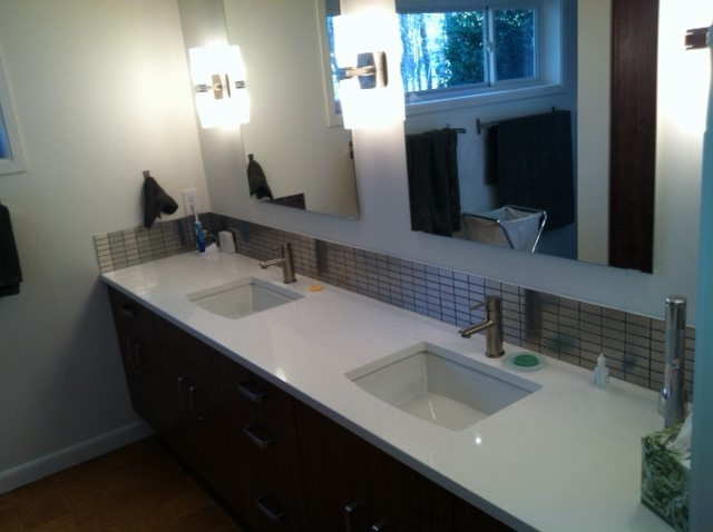 Photos In Quartz Vanity Top