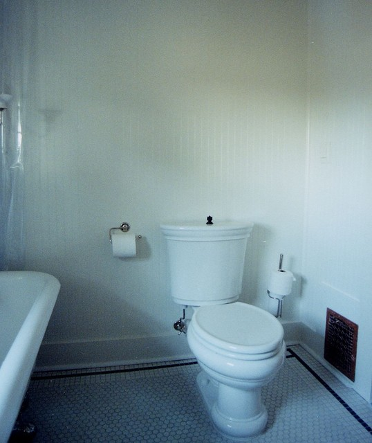 Queen anne seattle bathroom remodel traditional for Bath remodel seattle