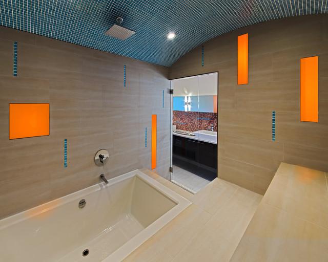 Queen Elizabeth contemporary-bathroom