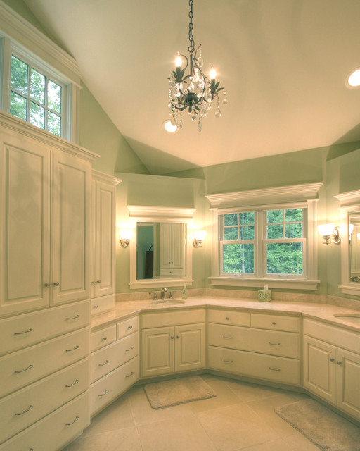 Quiet Casual Home: Master Bathroom traditional-bathroom
