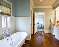 Quinlan Residence traditional bathroom