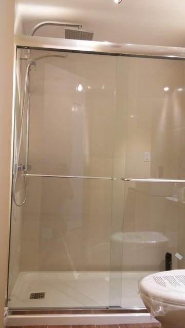 Http Houzz Com Photos 42320450 Rc Washroom Renovation Rc Renovation Salle De Bain Modern Bathroom Montreal