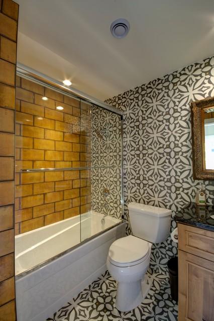 Ranch remodel eclectic kitchen salle de bain chicago for Salle de bain kitch