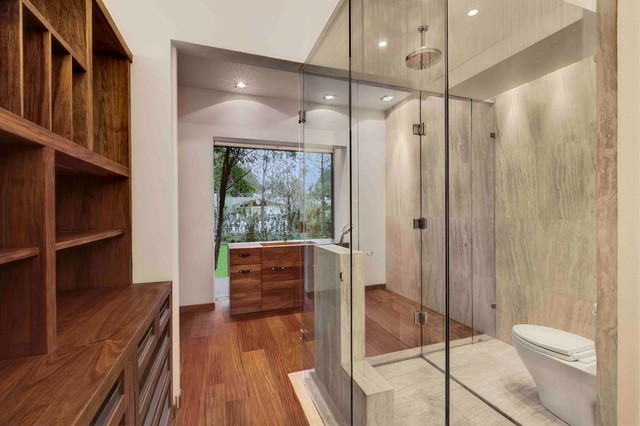 Rancho San Francisco contemporary-bathroom