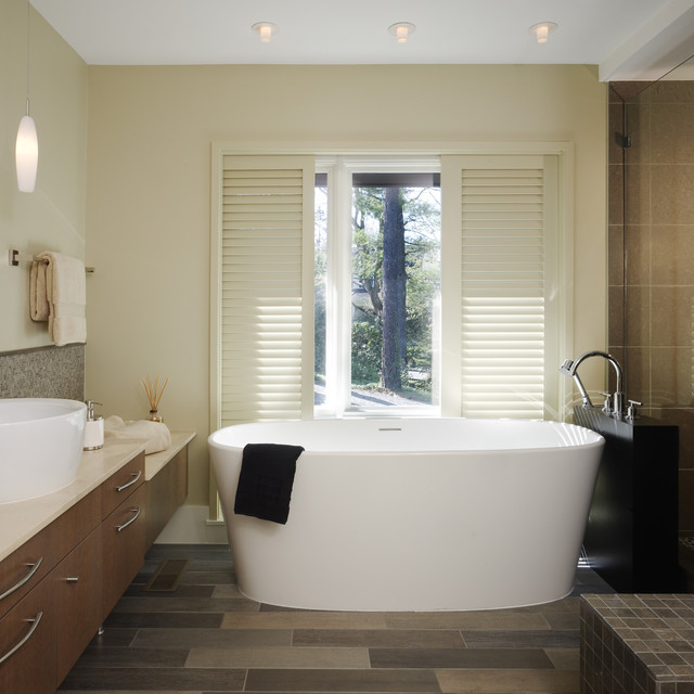 Randall Mars contemporary bathroom