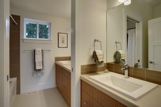 Ravenna Craftsman traditional-bathroom