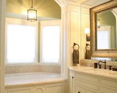 Reaume Construction & Design traditional-bathroom