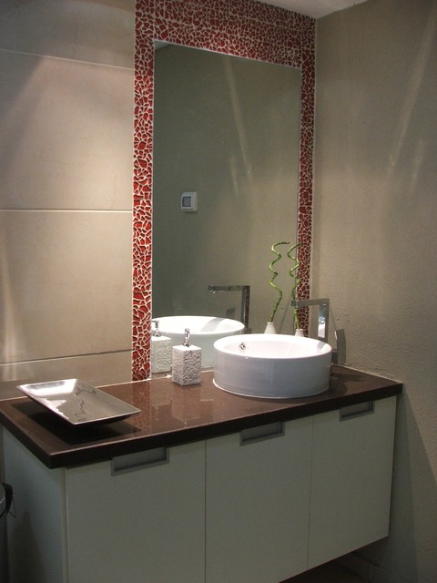 Red and browen bathroom modern bathroom