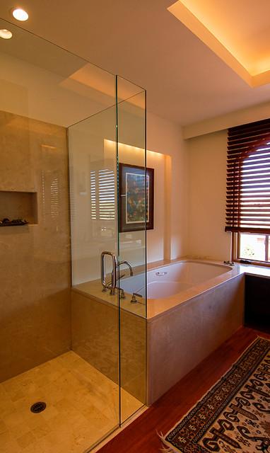Red hawk residence sedona arizona contemporary for Bathroom design consultant