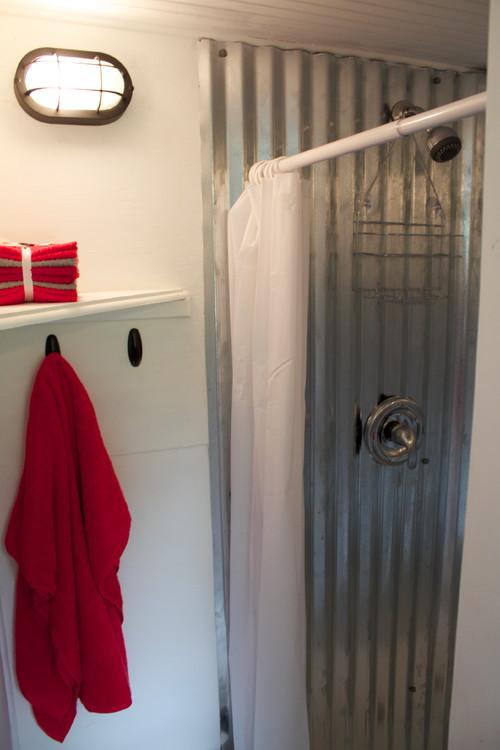 Western Warmth Tiny House Bathroom ideas