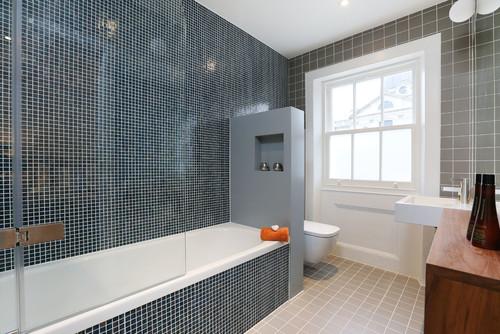11 solutions pour séparer les WC du reste de la salle de bains
