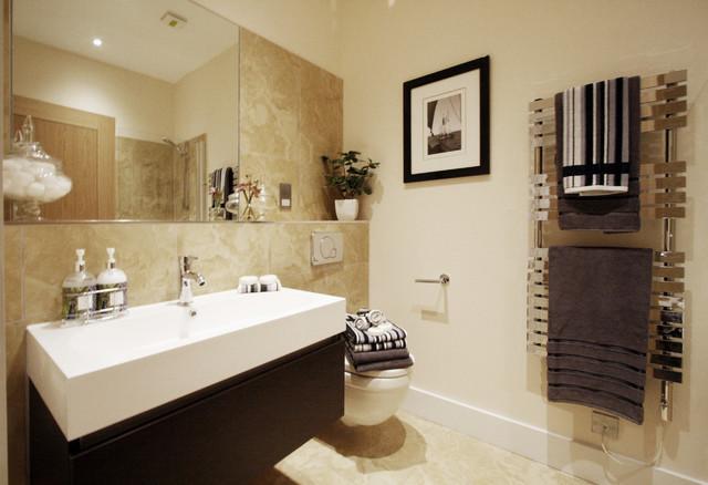 Reigate surrey 2 bedroom flat transitional bathroom for Dining room reigate