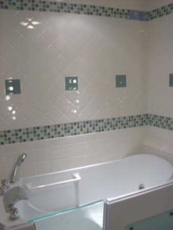 Remodeled 1950 39 s bathroom traditional bathroom grand for Bathroom ideas 1950s
