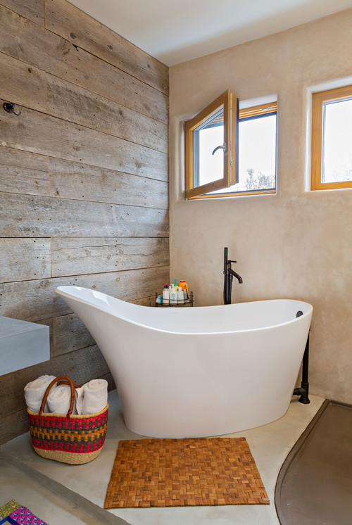 13 Creative Ideas For A Bathroom Makeover on small bathroom tubs, pink bathroom tubs, bathrooms with corner tubs, blue bathroom tubs, rustic bathroom tubs, vintage bathroom tubs, modern bathroom tubs, black bathroom tubs, fun bathroom tubs, bathrooms with soaking tubs,