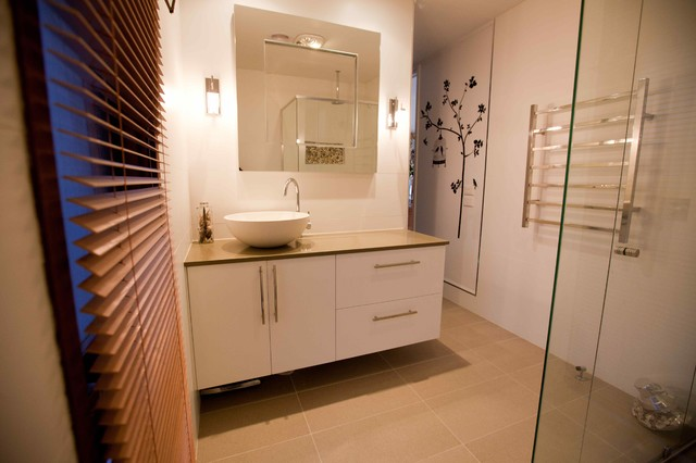 New Earle Street House  Bathroom  Canberra  Queanbeyan  By Light House