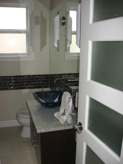 Residence st boniface winnipeg contemporary bathroom for Bathroom mirrors winnipeg
