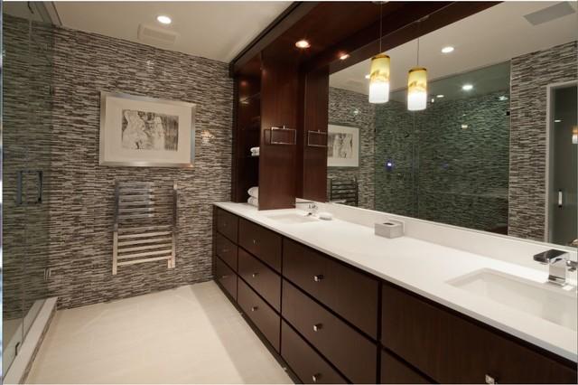 Residential traditional-bathroom