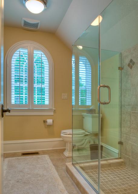 Residing on the Severn traditional-bathroom