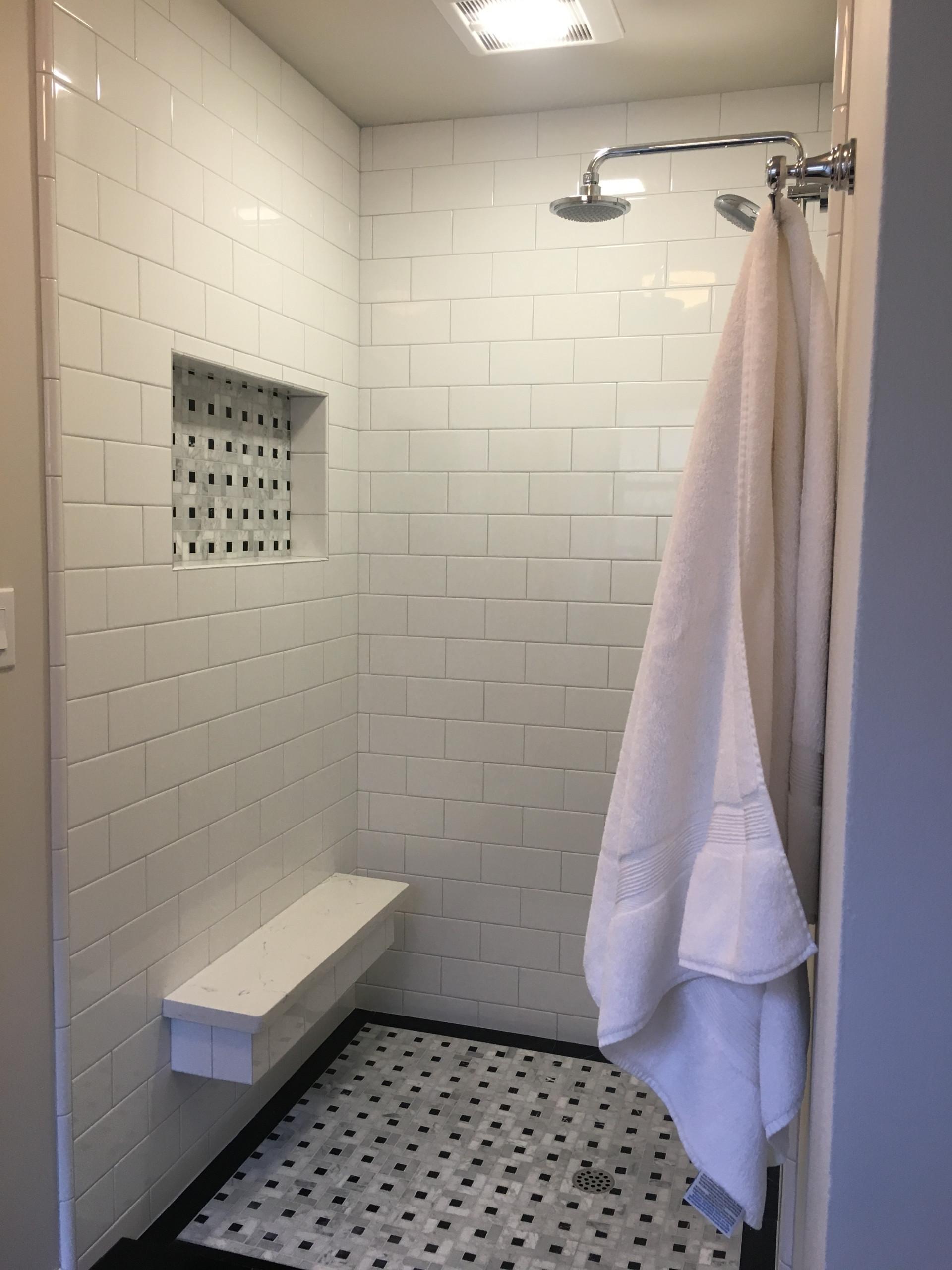 Retro Black and White Marble Bathroom