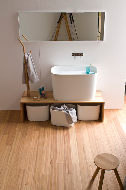 Wonderful Highlights Vanity Bath Bar Light, 36&quot, Uses Mediumbase Bulbs 100watt Maximum, Sold Separately 36&quot Length X 438&quot Height X 218&quot Base Extension Six Light Wall Mounted Finish Solid Oak CULus Listed