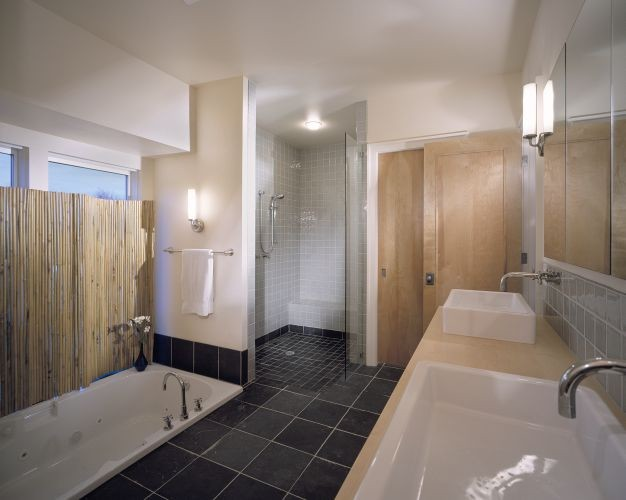 Rhodes Architecture + Light modern-bathroom