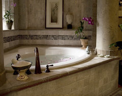 Richens Designs - Residential: Bathroom Design mediterranean-bathroom