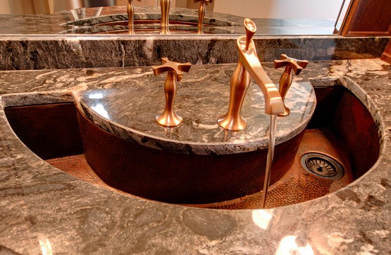 Design ideas for a classic bathroom in Calgary.
