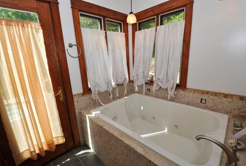 Bathroom - bathroom idea in Other
