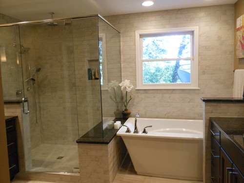 Okay, I Like The Layout For Getting Small Soaker Tub Into A Small Bathroom    But Where Is The Toilet In This L