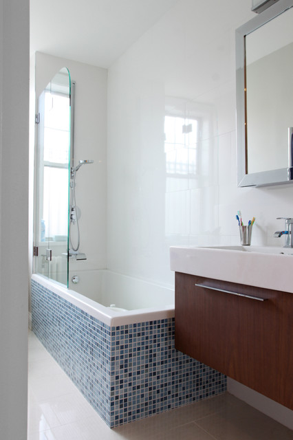 Riverside Apartment Contemporary Bathroom New York