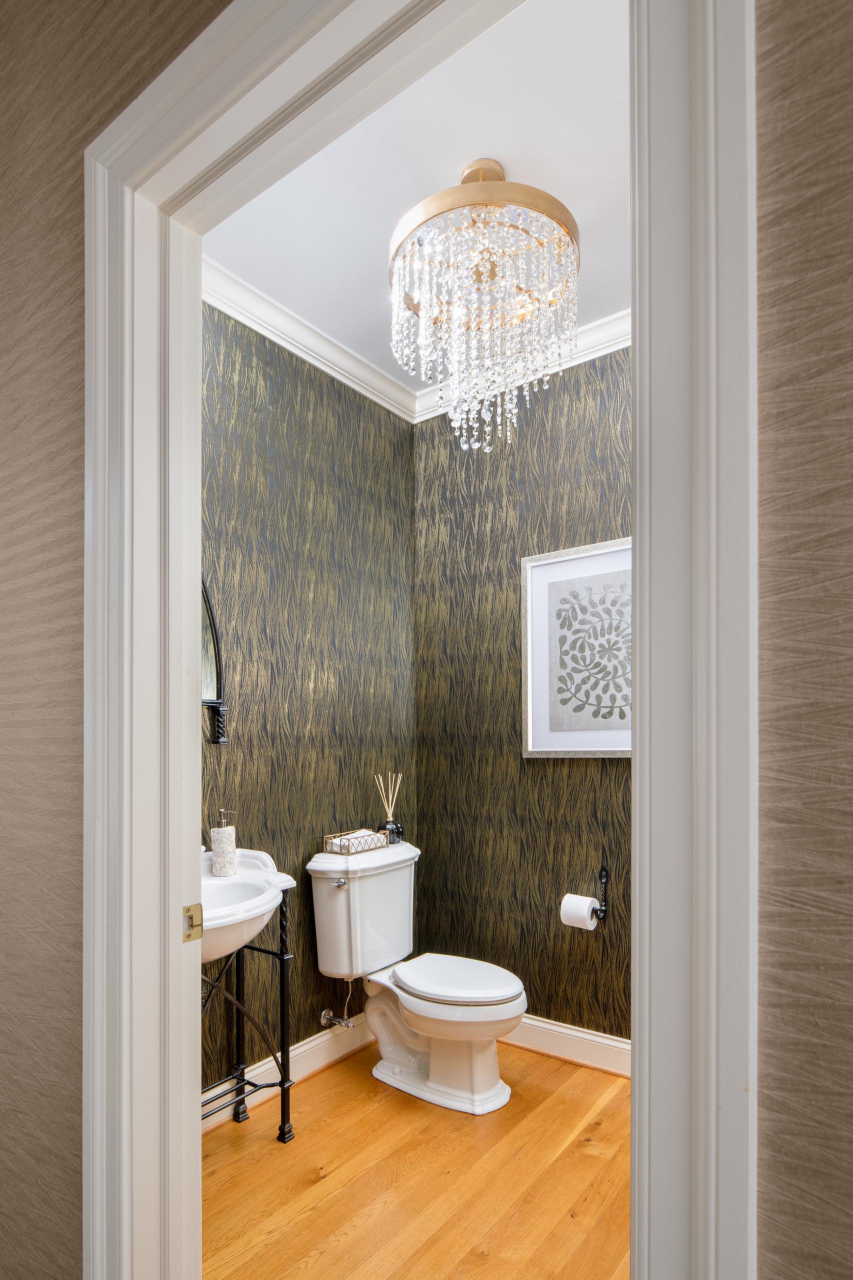 Riverside Mansion Bath
