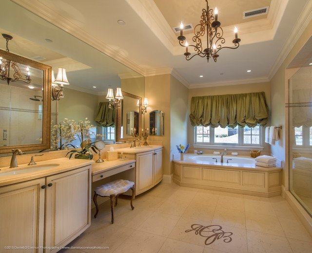 Rocking R Ranch Estate & Equestrian Center traditional-bathroom