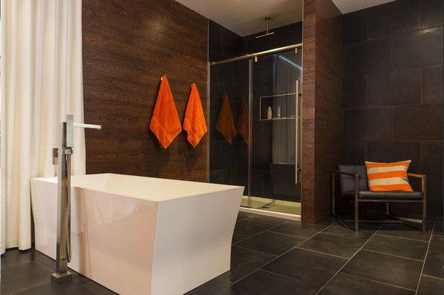 Ross house modern bathroom montreal by clinic design for Bathroom decor ross