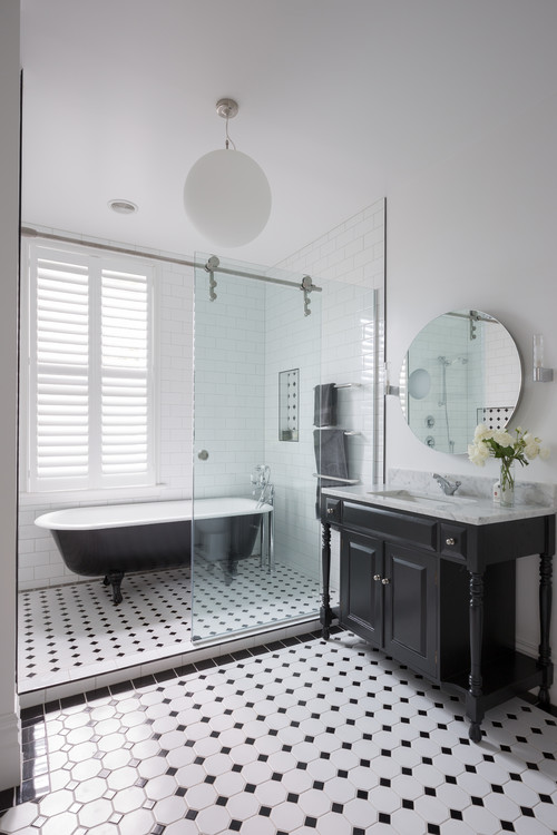 Many Wet Room Bathrooms, Incorporate 1 Shower Screen To Section The Shower  Area. A Rainhead Shower Is Used As It Sprays Downwards, And Not Out.