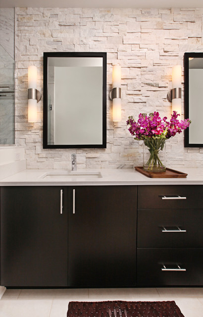 Rough Hewn Stone Backsplash In Modern Master Bath Modern Bathroom