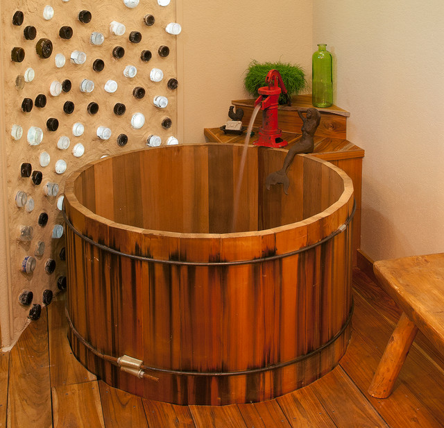Round Cedar Soaking Tub Rustic Bathroom