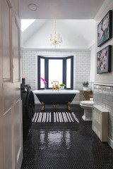 Bathroom of the Week: Artful Sophistication in an 1820 Home