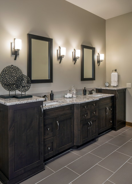 Rustic Chic Lakehouse Transitional Bathroom omaha